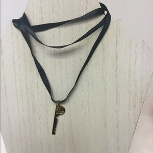 THE GIVING KEYS BEST FRIENDS NECKLACE RIGHT SIDE